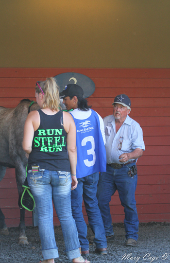 Owner Haley Thorne supported her horse on the racetrack with a custom T-shirt (Photo by Mary Cage)